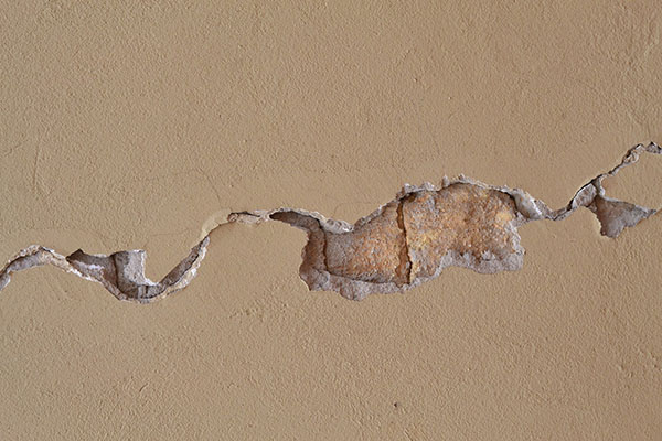 repair your cracked ceiling like a professional ceiling fixer 2